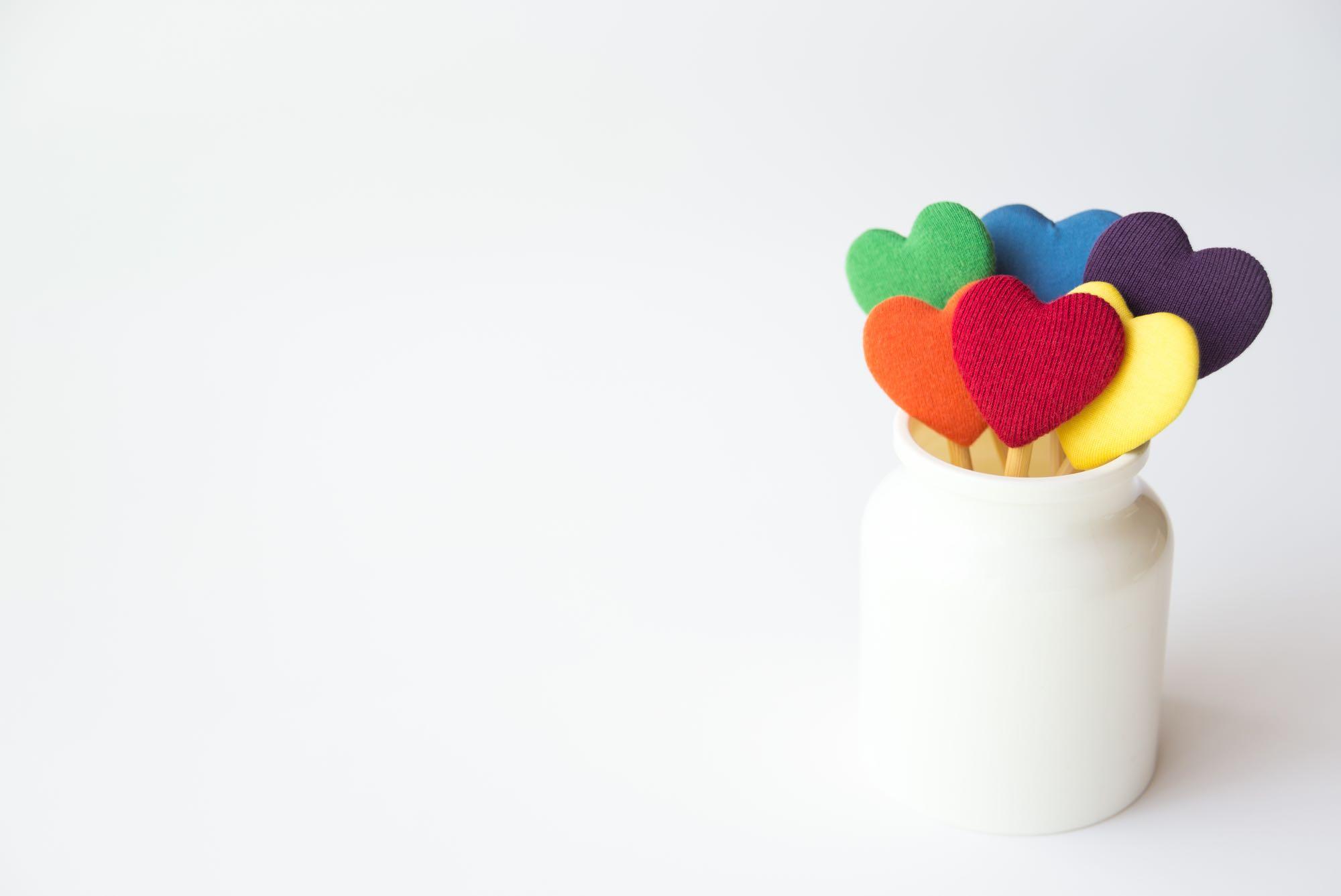 """もし子どもにLGBTと打ち明けられたら? LGBTに関連する新しい言葉""""SOGI""""の概念とは――「LGBTの家族と友人をつなぐ会」理事インタビュー"""